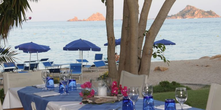 Kiosk on the beach Hotel Mediterraneo